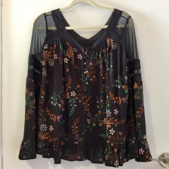 50% OFF NWT dark floral boho-style blouse